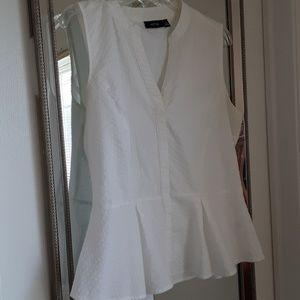 Seersucker White sleeveless blouse